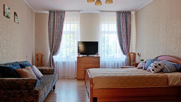 2-комнатная квартира для семьи путешественников, WIFI, парковка
